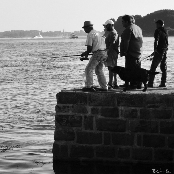 pêcheurs à la ligne_carré-N&B-blog