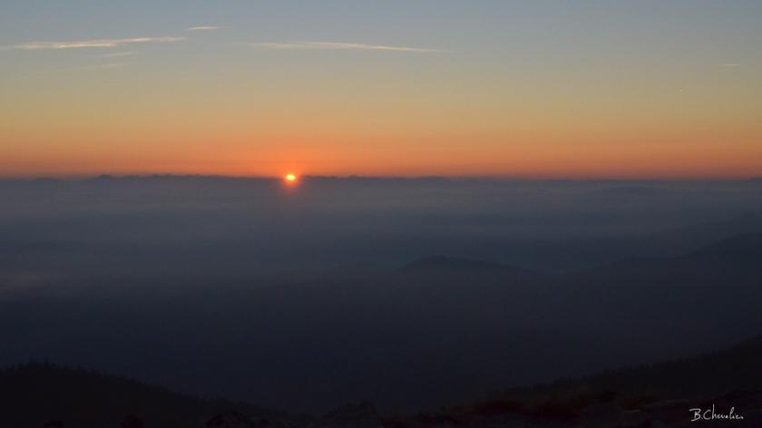 blog- bc-2017-26 Lever de soleil sur le Gerbier de Jonc