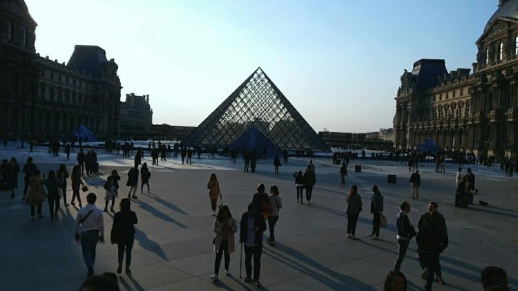 bc-2019-14-La pyramide