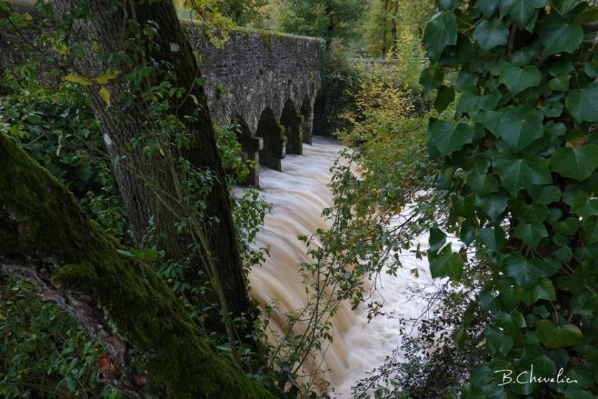 blog-bc-2019-36-gros débit sous le pont Romain